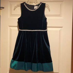 Girls green velvet dress with pearl accents